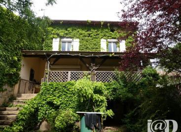 Maison St Germain &bull; <span class='offer-area-number'>175</span> m² environ &bull; <span class='offer-rooms-number'>6</span> pièces