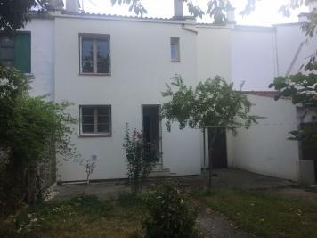 Maison St Jean &bull; <span class='offer-area-number'>82</span> m² environ &bull; <span class='offer-rooms-number'>4</span> pièces