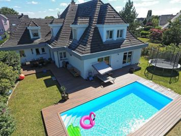 Maison La Wantzenau &bull; <span class='offer-area-number'>241</span> m² environ &bull; <span class='offer-rooms-number'>7</span> pièces