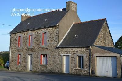 Maison La Roche Derrien &bull; <span class='offer-area-number'>124</span> m² environ &bull; <span class='offer-rooms-number'>6</span> pièces