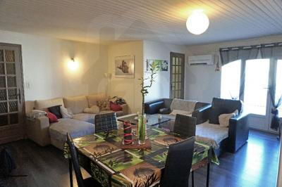 Appartement Piolenc &bull; <span class='offer-area-number'>74</span> m² environ &bull; <span class='offer-rooms-number'>3</span> pièces