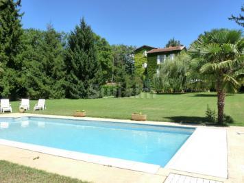 Maison Mirmande &bull; <span class='offer-area-number'>210</span> m² environ &bull; <span class='offer-rooms-number'>8</span> pièces