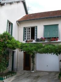 Maison Coubert &bull; <span class='offer-area-number'>100</span> m² environ &bull; <span class='offer-rooms-number'>4</span> pièces