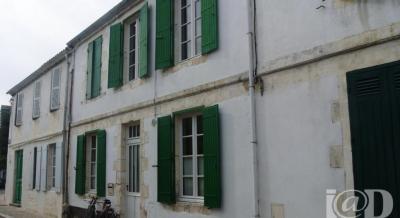 Maison La Couarde sur Mer &bull; <span class='offer-area-number'>167</span> m² environ &bull; <span class='offer-rooms-number'>6</span> pièces