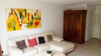 Appartement Scharrachbergheim Irmstett &bull; <span class='offer-area-number'>130</span> m² environ &bull; <span class='offer-rooms-number'>4</span> pièces