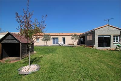 Maison La Creche &bull; <span class='offer-area-number'>106</span> m² environ &bull; <span class='offer-rooms-number'>4</span> pièces