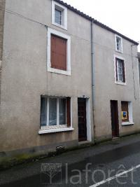 Maison Thenezay &bull; <span class='offer-area-number'>94</span> m² environ &bull; <span class='offer-rooms-number'>4</span> pièces