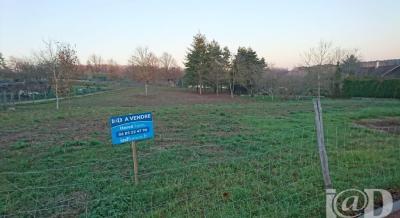 Terrain Monteaux &bull; <span class='offer-area-number'>888</span> m² environ
