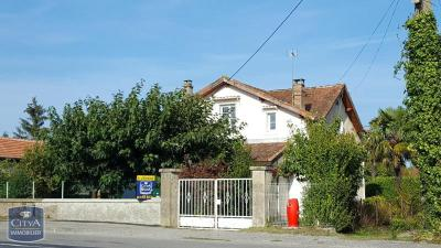 Villa Pamiers &bull; <span class='offer-area-number'>160</span> m² environ &bull; <span class='offer-rooms-number'>6</span> pièces