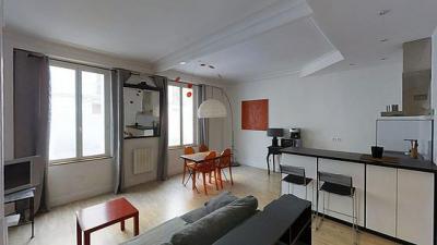 Appartement Paris 17 &bull; <span class='offer-area-number'>43</span> m² environ &bull; <span class='offer-rooms-number'>2</span> pièces