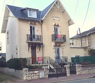 Maison Royan &bull; <span class='offer-area-number'>184</span> m² environ &bull; <span class='offer-rooms-number'>9</span> pièces