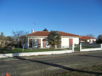 Maison St Christophe du Ligneron &bull; <span class='offer-area-number'>119</span> m² environ &bull; <span class='offer-rooms-number'>4</span> pièces