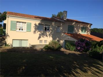 Maison La Mothe Achard &bull; <span class='offer-area-number'>154</span> m² environ &bull; <span class='offer-rooms-number'>7</span> pièces