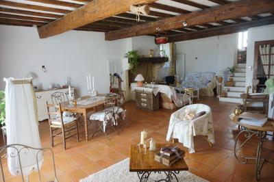 Maison Montpezat &bull; <span class='offer-area-number'>137</span> m² environ &bull; <span class='offer-rooms-number'>4</span> pièces