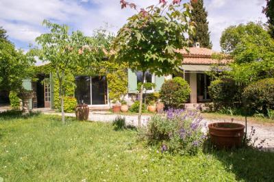 Maison Bagnols sur Ceze &bull; <span class='offer-area-number'>99</span> m² environ &bull; <span class='offer-rooms-number'>5</span> pièces