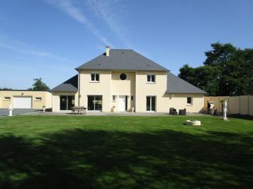 Maison Bayeux &bull; <span class='offer-area-number'>212</span> m² environ &bull; <span class='offer-rooms-number'>7</span> pièces
