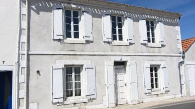 Maison Angoulins &bull; <span class='offer-area-number'>101</span> m² environ &bull; <span class='offer-rooms-number'>5</span> pièces
