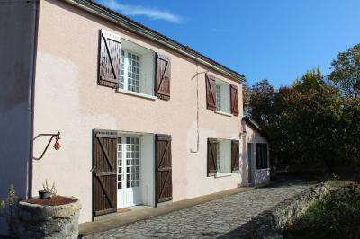 Maison Chambon &bull; <span class='offer-area-number'>169</span> m² environ &bull; <span class='offer-rooms-number'>5</span> pièces