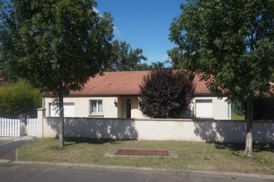 Maison Vic le Comte &bull; <span class='offer-area-number'>114</span> m² environ &bull; <span class='offer-rooms-number'>5</span> pièces