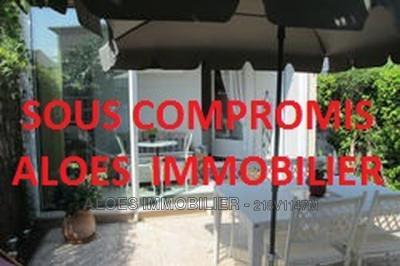 Maison Aigues Mortes &bull; <span class='offer-area-number'>30</span> m² environ &bull; <span class='offer-rooms-number'>2</span> pièces