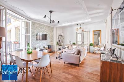 Appartement Paris 16 &bull; <span class='offer-area-number'>87</span> m² environ &bull; <span class='offer-rooms-number'>4</span> pièces