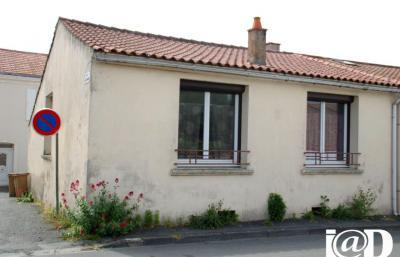 Maison L Aiguillon sur Mer &bull; <span class='offer-area-number'>71</span> m² environ &bull; <span class='offer-rooms-number'>3</span> pièces