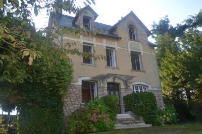 Maison Bricquebec &bull; <span class='offer-area-number'>197</span> m² environ &bull; <span class='offer-rooms-number'>9</span> pièces