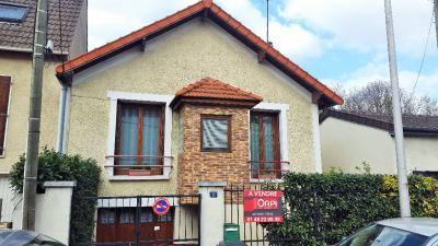 Maison St Denis &bull; <span class='offer-area-number'>60</span> m² environ &bull; <span class='offer-rooms-number'>4</span> pièces