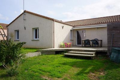 Maison Aubigny &bull; <span class='offer-area-number'>101</span> m² environ &bull; <span class='offer-rooms-number'>4</span> pièces