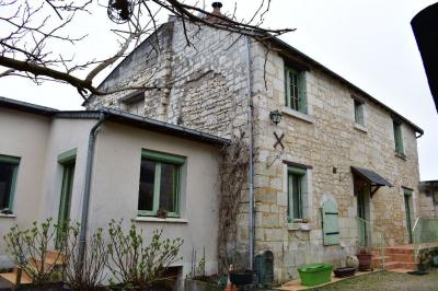 Maison Le Coudray Macouard &bull; <span class='offer-area-number'>96</span> m² environ &bull; <span class='offer-rooms-number'>5</span> pièces
