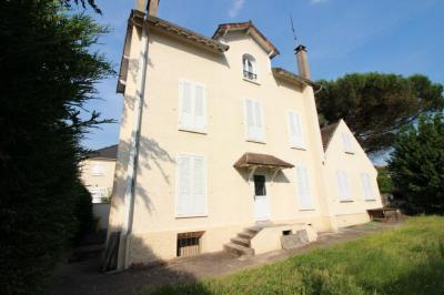 Maison Limeil Brevannes &bull; <span class='offer-area-number'>187</span> m² environ &bull; <span class='offer-rooms-number'>7</span> pièces