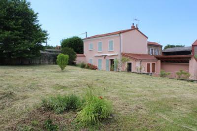 Maison Ste Florine &bull; <span class='offer-area-number'>110</span> m² environ &bull; <span class='offer-rooms-number'>4</span> pièces
