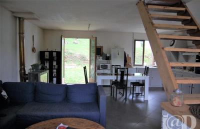 Maison Villeneuve sur Bellot &bull; <span class='offer-area-number'>110</span> m² environ &bull; <span class='offer-rooms-number'>7</span> pièces