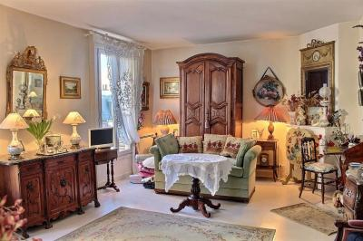 Appartement Paris 15 &bull; <span class='offer-area-number'>54</span> m² environ &bull; <span class='offer-rooms-number'>3</span> pièces