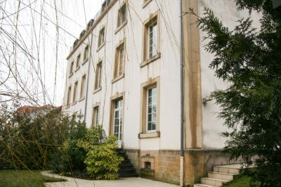 Appartement Mont St Martin &bull; <span class='offer-area-number'>90</span> m² environ &bull; <span class='offer-rooms-number'>5</span> pièces