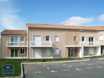 Appartement Pouzauges &bull; <span class='offer-area-number'>47</span> m² environ &bull; <span class='offer-rooms-number'>2</span> pièces
