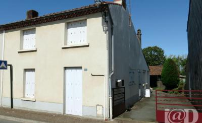 Maison La Tessoualle &bull; <span class='offer-area-number'>84</span> m² environ &bull; <span class='offer-rooms-number'>4</span> pièces