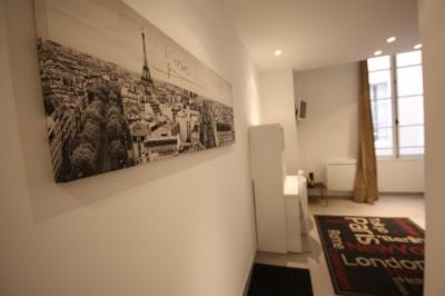 Appartement Marseille 02 &bull; <span class='offer-area-number'>23</span> m² environ &bull; <span class='offer-rooms-number'>1</span> pièce