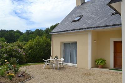 Maison Bains sur Oust &bull; <span class='offer-area-number'>143</span> m² environ &bull; <span class='offer-rooms-number'>5</span> pièces