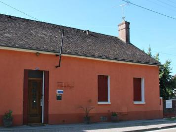 Maison Laroche St Cydroine &bull; <span class='offer-area-number'>160</span> m² environ &bull; <span class='offer-rooms-number'>7</span> pièces