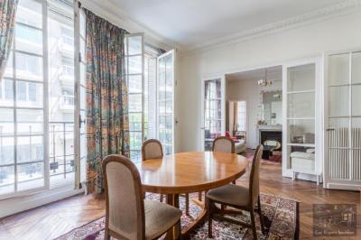 Appartement Paris 16 &bull; <span class='offer-area-number'>104</span> m² environ &bull; <span class='offer-rooms-number'>4</span> pièces