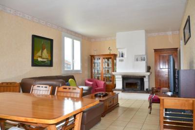 Maison Plouguin &bull; <span class='offer-area-number'>136</span> m² environ &bull; <span class='offer-rooms-number'>7</span> pièces