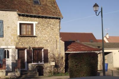 Maison Longuesse &bull; <span class='offer-area-number'>78</span> m² environ &bull; <span class='offer-rooms-number'>4</span> pièces