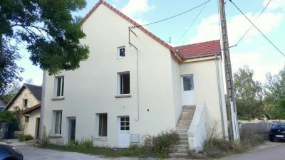 Maison Chalon sur Saone &bull; <span class='offer-area-number'>110</span> m² environ &bull; <span class='offer-rooms-number'>4</span> pièces