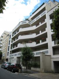 Appartement Issy les Moulineaux &bull; <span class='offer-area-number'>67</span> m² environ &bull; <span class='offer-rooms-number'>3</span> pièces