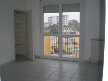 Appartement Romans sur Isere &bull; <span class='offer-area-number'>69</span> m² environ &bull; <span class='offer-rooms-number'>4</span> pièces