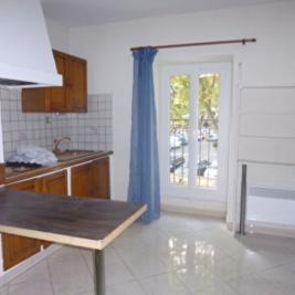 Appartement Grans &bull; <span class='offer-area-number'>24</span> m² environ &bull; <span class='offer-rooms-number'>1</span> pièce