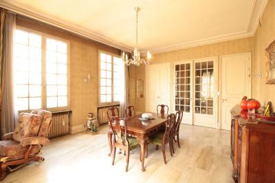 Maison Decines Charpieu &bull; <span class='offer-area-number'>400</span> m² environ &bull; <span class='offer-rooms-number'>9</span> pièces