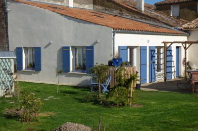 Maison Mortagne sur Gironde &bull; <span class='offer-area-number'>88</span> m² environ &bull; <span class='offer-rooms-number'>4</span> pièces