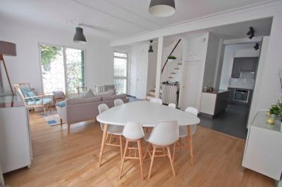 Maison Asnieres sur Seine &bull; <span class='offer-area-number'>120</span> m² environ &bull; <span class='offer-rooms-number'>6</span> pièces